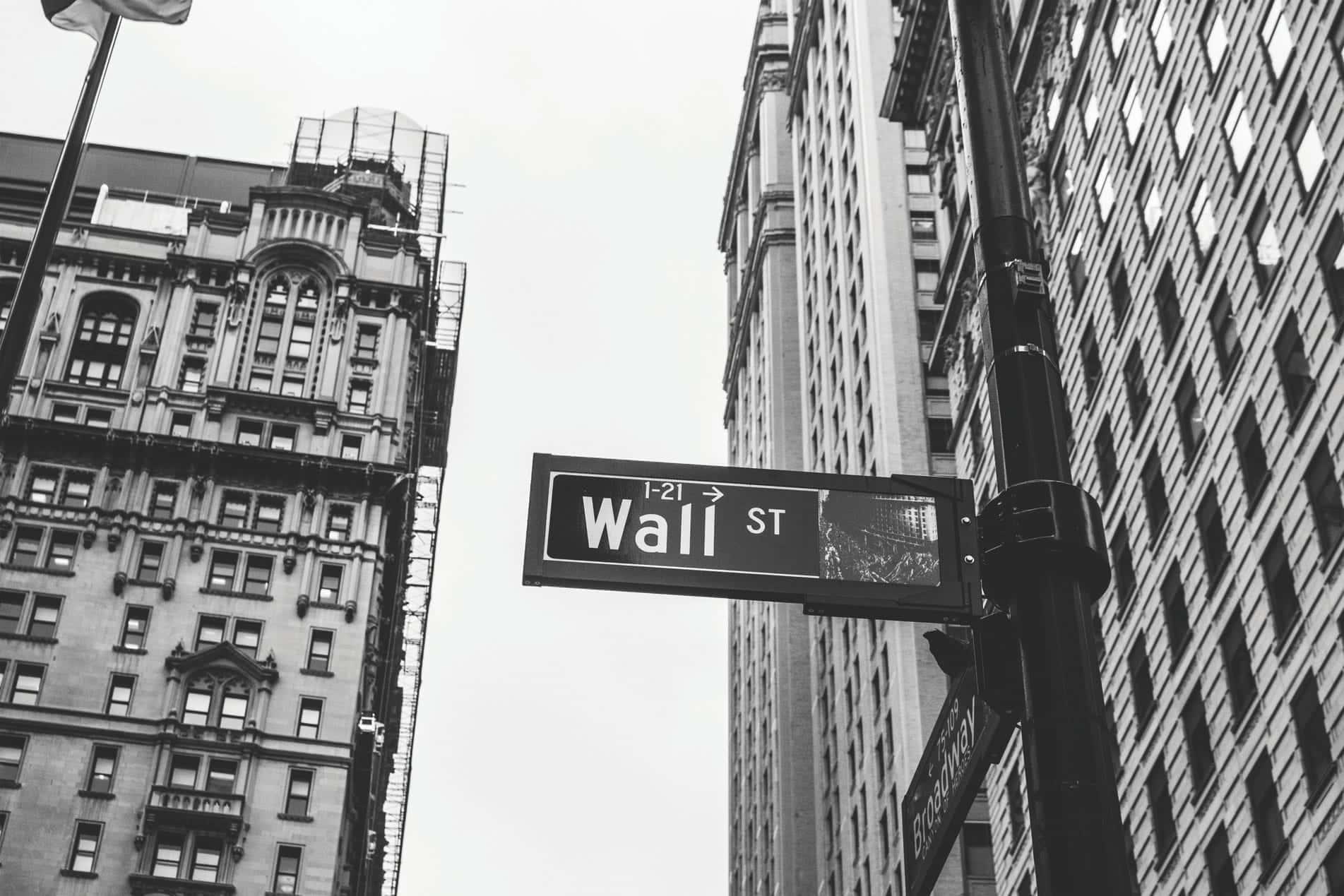 Mercados en máximos: ajusta tus inversiones